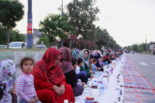 طولانیترین سفره افطاری ایران در آققلا