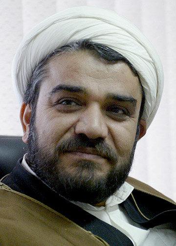 قاتل امام جمعه کازرون لباس تعزیه بر تن داشت/او اصرار داشته با خرسند عکس سلفی بگیرد
