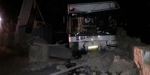 مصدومان تصادف اتوبوس در کرج مداوا شدند