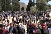 فیلم | جلوگیری از ورود فلسطینیان برای اقامه نماز در مسجد اقصی در روز قدس