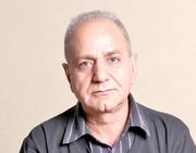 تبریک ویژه پرویز پرستویی به اسیری که پس از بازگشت به ایران، زندانی شد/ عکس