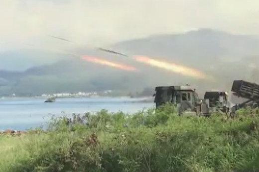 فیلم | مانور نظامی تایوان با تسلیحات واقعی برای مقابله با چین