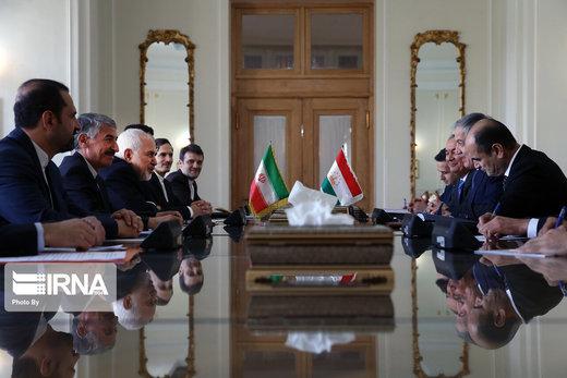 وزيرا الخارجية الإيراني والطاجيكي يجتمعان في طهران