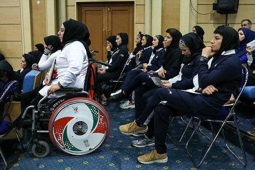 دیدار صمیمی رئیسجمهور با ورزشکاران و قهرمانان ملی