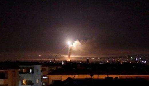 الدفاعات الجوية السورية تتصدى لاهداف معادية في دمشق