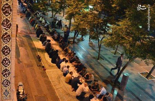 سفره افطار در بازار تهران