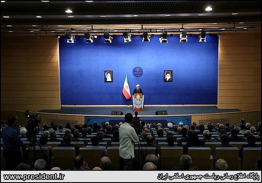 الرئيس روحاني: لا سبيل امامنا سوى الصمود والمقاومة