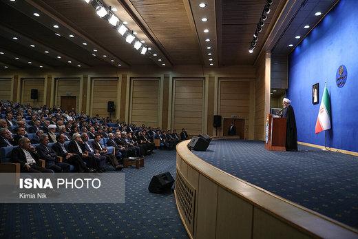 دیدار رئیسجمهور با اساتید و پزشکان