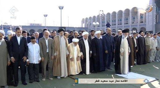 عکس  کدام چهرههای سیاسی نماز عید فطر را به رهبری اقتدا کردند؟