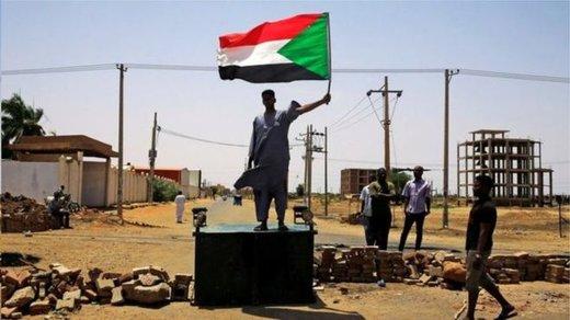 بحران سودان/ اتحادیه آفریقا عضویت سودان را تعلیق کرد