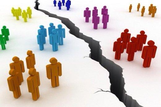 قهرمانپور: بانکهای خصوصی جامعه را پولی کردند