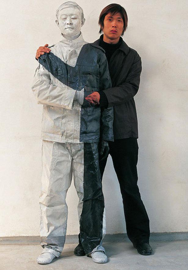 هنر نامرئی شدن مرد چینی +تصاویر