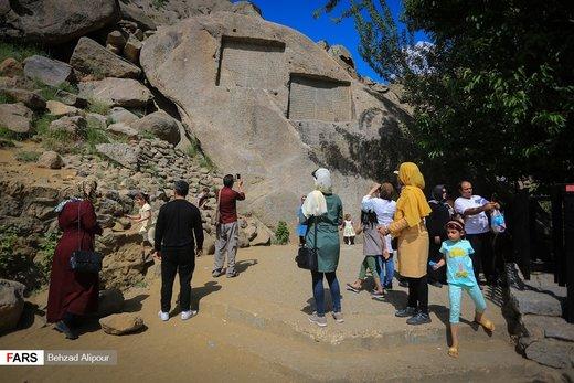 مسافران تابستانی در گنجنامه همدان