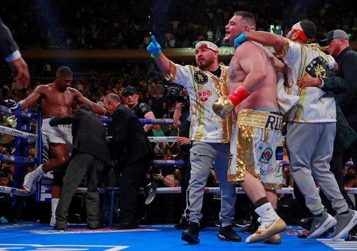 جشن پیروزی اندی روئیز جونیور در برابر آنتونی جاشوا در نیویورک که قهرمان سنگین وزن جهان در رشته بوکس شد