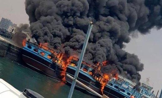 مهار آتشسوزی ۵ فروند شناور باری در بندر نخل تقی