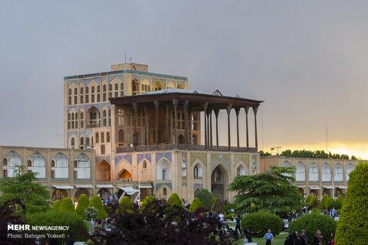 شهر اصفهان در بهار