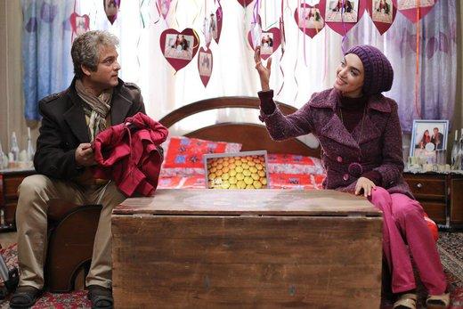 میترا حجار در نقش شهلا جاهد و حسین یاری در نقش ناصر محمدخانی، تابستان به سینماها میآیند