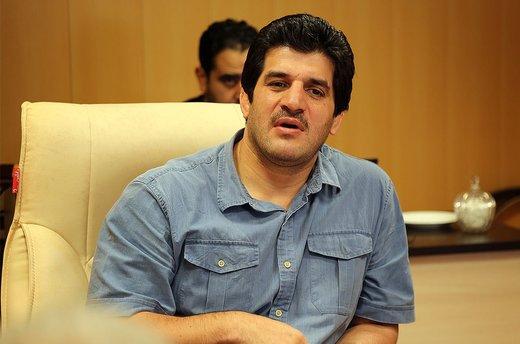 رسول خادم: نام خالقان سرود «ای ایران» را روی خیابانهای تهران بگذارید
