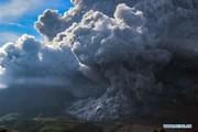 تصاویر | فوران هولناک یک آتشفشان در یکقدمی منطقه مسکونی