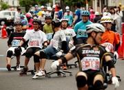 تصاویر | مسابقه با صندلیهای چرخدار اداری در ژاپن!
