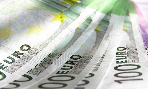 اروپا باز هم نرخ بهره بانکی را کم میکند