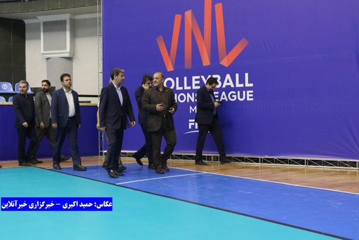 بازدید استاندار آذربایجانغربی از آخرین مراحل آماده سازی سالن غدیر ارومیه