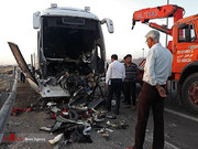 تصاویر | تصادف مرگبار اتوبوس و تریلی در اتوبان کاشان