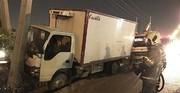 تصاویر | شاخبهشاخ شدن کامیون و تیر چراغ برق در تهران