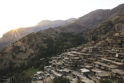 سالانه ۳۳۱.۰۰۰ نفر از روستاها مهاجرت میکنند