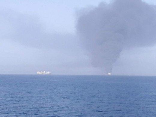 ۴۴ ملوان نفتکشهای حادثه دیده در دریای عمان به بندر جاسک منتقل شدند