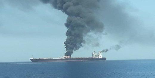 دو نفتکشی که امروزمنفجر شدند محموله نفت ژاپن را میبردند/ یکی از نفتکشها غرق شد