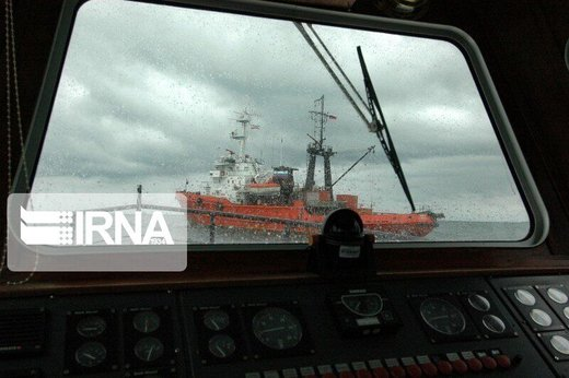 إنقاذ 44 بحارا من طاقم ناقلتي النفط المنكوبتين في بحر عمان