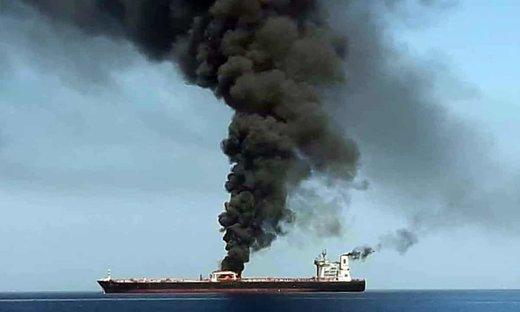 فیلم |  خدمه نجات یافته کشتی حادثه دیده در دریای عمان