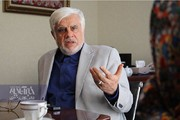 کنایه عارف به حجاریان: از بعضی حرفها بوی دیکتاتوری میآید/در مجلس ما را گرفتار کردند/قرار است من هیچ طرح و تذکری را امضاء نکنم