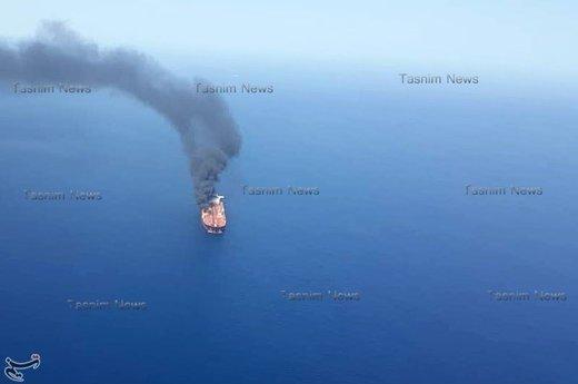 ببینید | آتش گرفتن یک نفتکش در نزدیکی سواحل شارجه