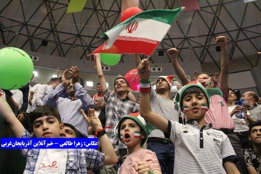 شادی هواداران بعد از برد برابر لهستان