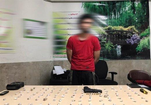 تماس معتادان با فروشنده موادمخدر در کلانتری