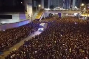 فیلم | عبور آمبولانس از بین جمعیت میلیونی شبیه عبور حضرت موسی(ع) از رود نیل