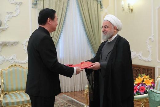 تقدیم استوارنامه سفیر جدید چین به رئیسجمهور