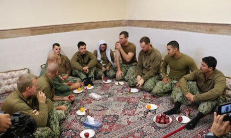 پخش تصاویر منتشر نشده از دستگیری نظامیان متجاوز به ایران در تلویزیون