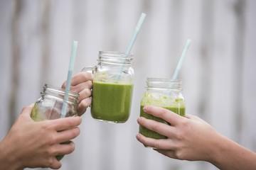روزتان را با یک اسموتی ویتامینه سبز شروع کنید