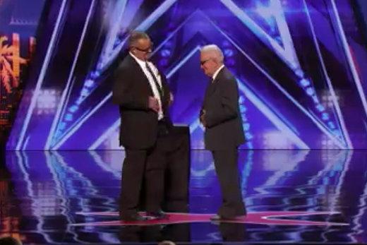 فیلم | اجرای خارقالعاده ۲ پیرمرد در برنامه «عصر جدید» خارجیها