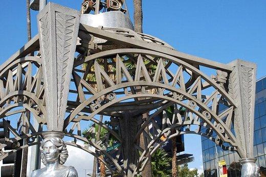سرقت مجسمه مریلین مونرو از بلوار هالیوود
