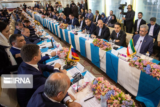 Iran, Russia sign agreements to boost economic cooperation