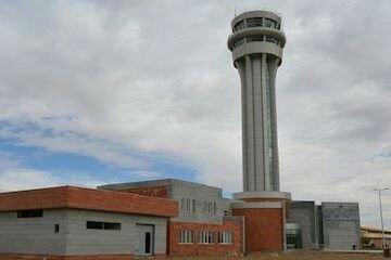 با حضور وزیر راه و شهرسازی: بلندترین برج مراقبت فرودگاههای کشور با ارتفاع ۵۲ متر در همدان افتتاح شد