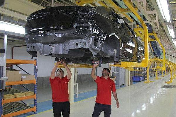 تولید هر دستگاه خودرو چقدر برای خودروسازان زیان دارد؟
