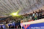 عکس | حضور زنان در ورزشگاه اردبیل برای تماشای بازی تیم ملی والیبال