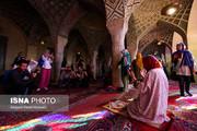 تصاویر | توریستهای حیرتزده در مسجد معروف شیراز