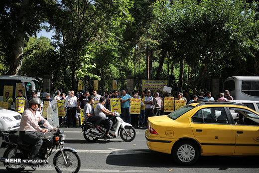 تجمع اعتراضی رانندگان مینیبوس در حاشیه یکصد و پنجاهمین جلسه شورای اسلامی شهر تهران