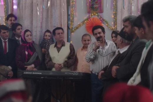 فیلم   پرویز پرستویی در نقش یک خواننده دهه ۶۰